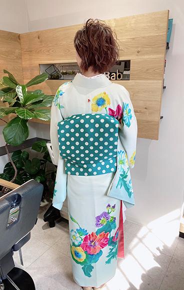 洋花柄の着物で着こなしキュート☆入学式のお母様_b0098077_17074507.jpg
