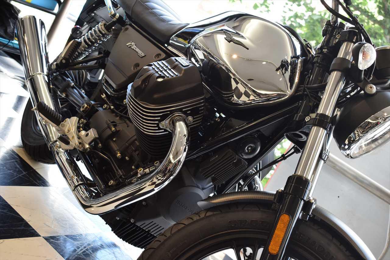 MOTO GUZZI V7Ⅲ カーボンシャイン_d0099181_14315275.jpg