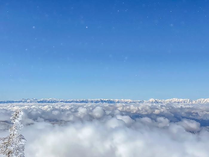 雲に浮かぶ北アルプス 根子岳_b0244811_10040936.jpg
