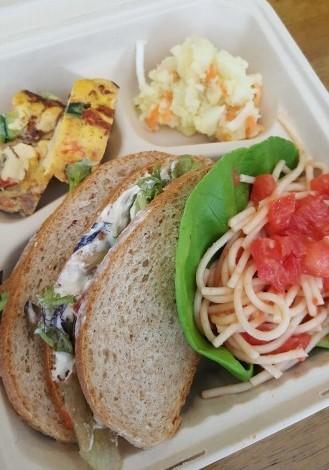 トラットリアフォンテの子ども弁当に筍と鎌倉大根提供4・2_c0014967_15340298.jpg