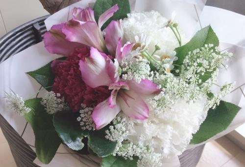 お花を飾って心に潤いを💐✨_b0301070_14263723.jpeg