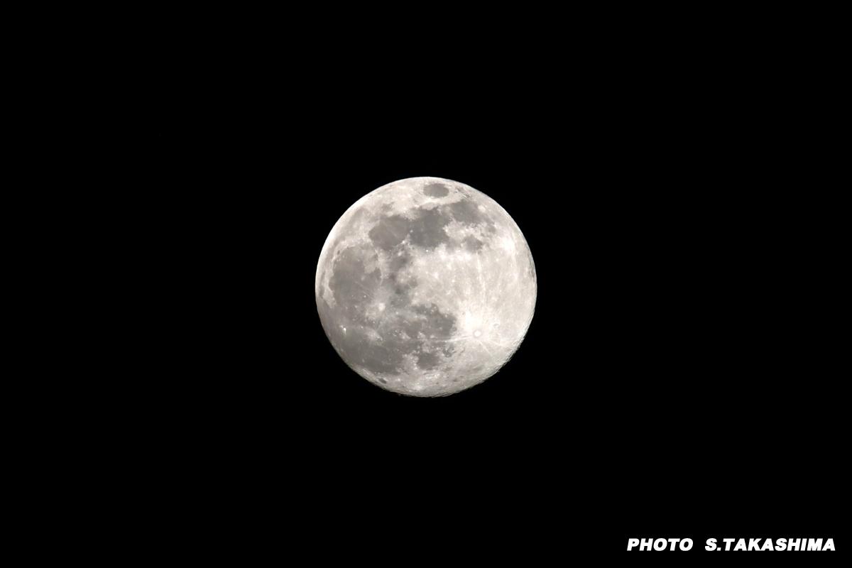 今日の月_b0368378_22082281.jpg
