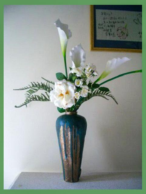 花と壺_f0346196_09490219.jpg
