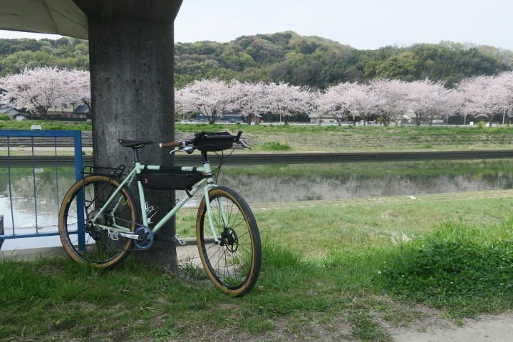 こんな時は1人自転車_c0132901_21023013.jpg