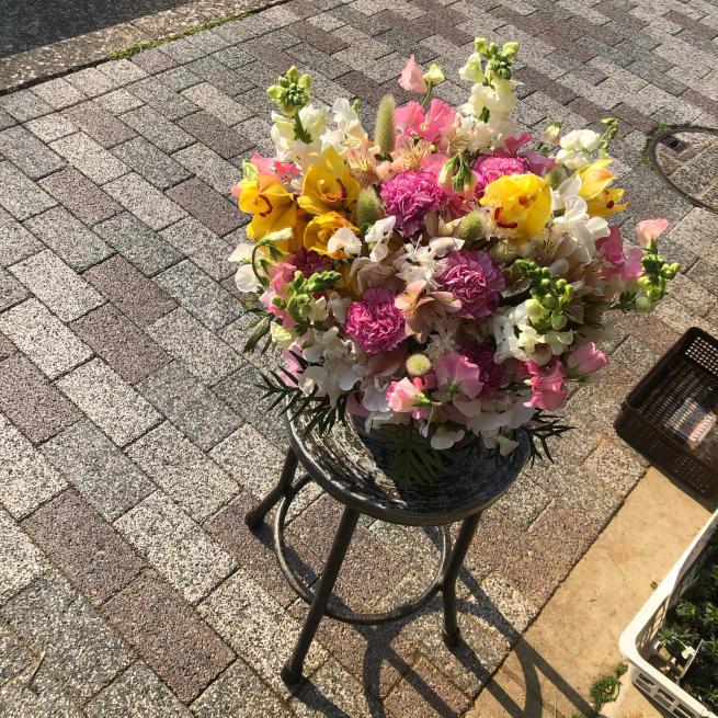 花贈り。コロナに負けるな。_b0368251_19504900.jpg