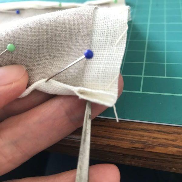手縫いが好きな方へのリネンマスクの作り方 道探しの愉しいクロスステッチ付き♡_e0116763_19051463.jpg