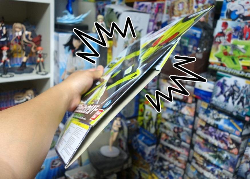 【ただの雑記】大量の玩具の空き箱を潰そう_f0205396_13560213.jpg