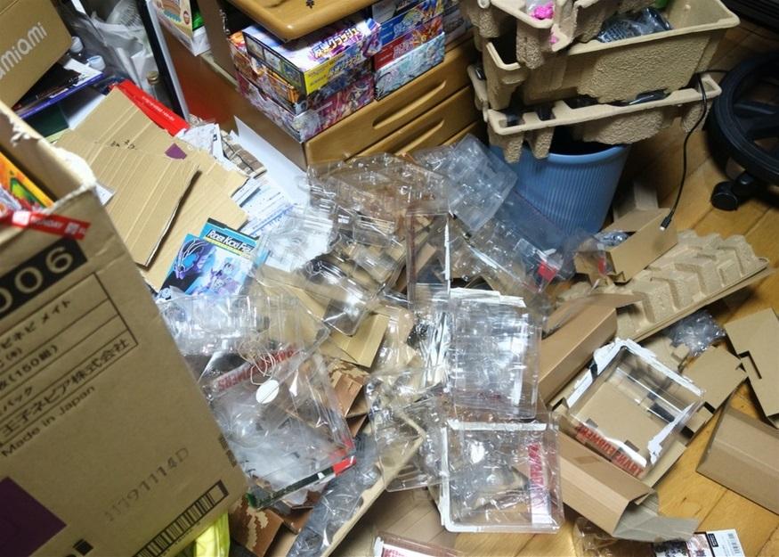 【ただの雑記】大量の玩具の空き箱を潰そう_f0205396_14064186.jpg