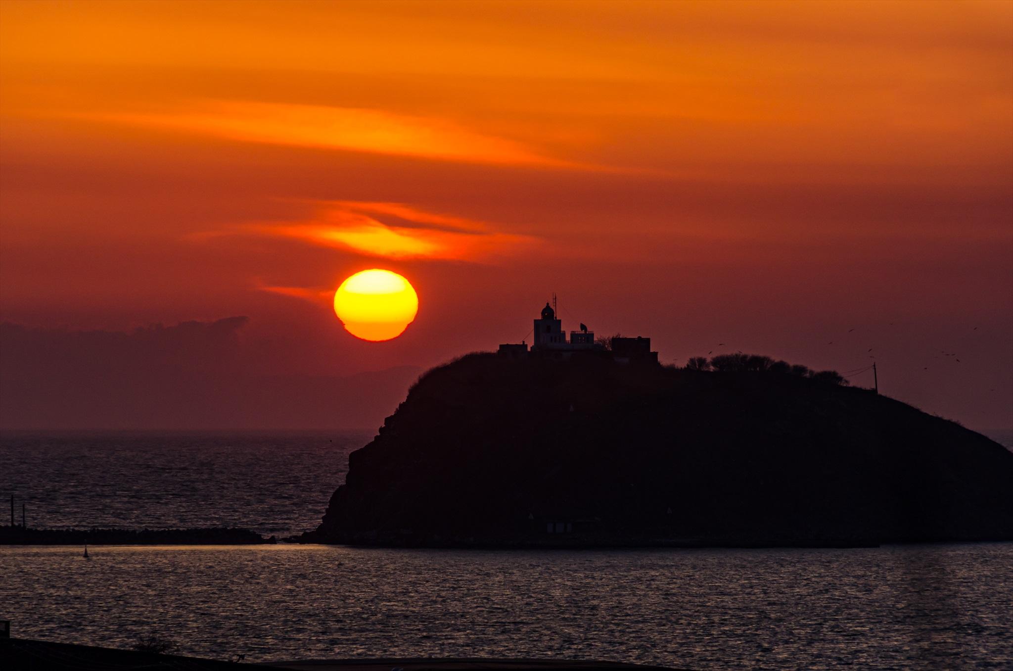 大黒島と夕陽_e0373339_5372838.jpg