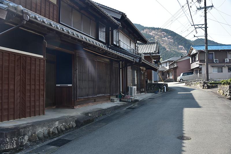 和歌山街道を行く_e0164563_15384946.jpg