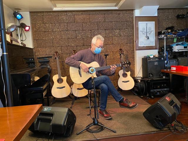 ひらみつギター新作4本引き比べ会@大阪 5th Street_a0334793_11420852.jpg