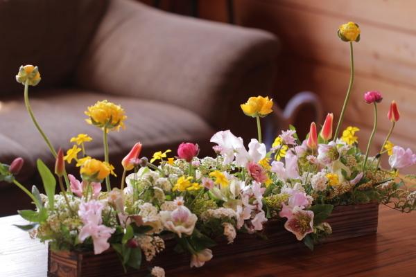 春のセンターピース_a0393536_16122749.jpeg