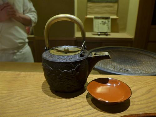 京都・五条「ごだん 宮ざわ」へ行く。_f0232060_1747111.jpg