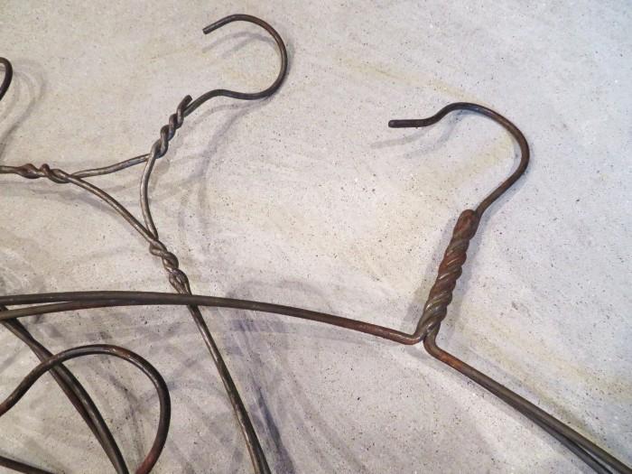 Vintage Antique American Wire Hanger_e0187362_13531314.jpg