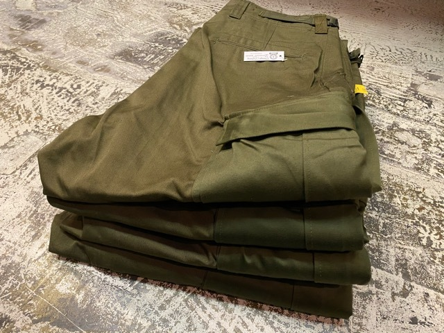 再入荷!! NOS 50\'s U.S Army M-51 Modified Field Cargo Pants!!(マグネッツ大阪アメ村店)_c0078587_16454044.jpg
