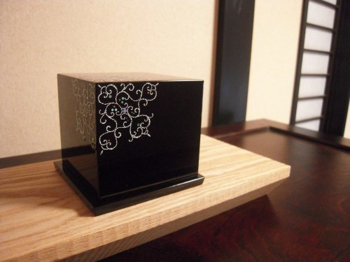 ジェリーボックス「漆と桐の宝箱hanahako」 2020.04.11_c0213599_20455166.jpg