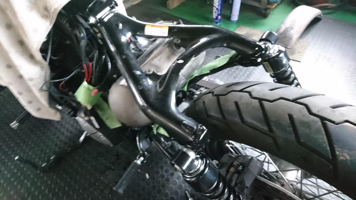 スポーツスター フォーティーエイトのオイルタンク製作から交換へ_a0257316_06430527.jpg