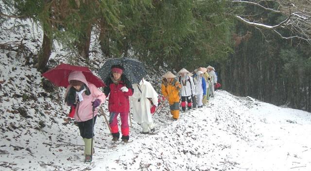 雪の千本峠を越えて三坂峠から松山へ_f0213825_08311488.jpg