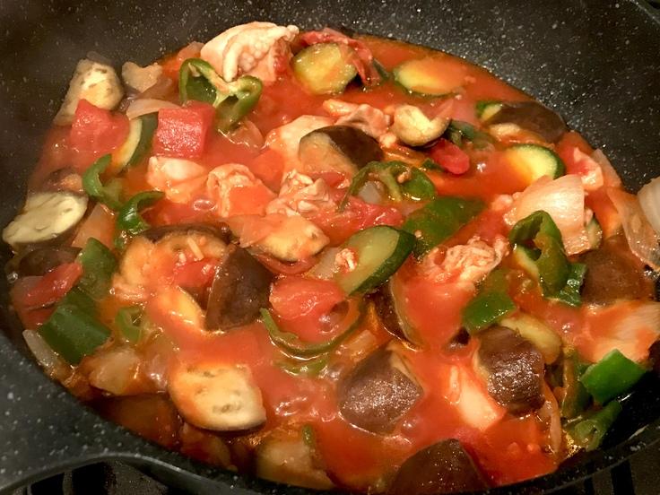鶏肉と夏野菜のトマト煮 準備中♪_c0212604_8101760.jpg