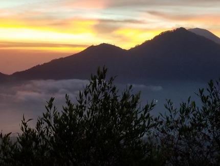 いつか又、行ける日の為に!インドネシア バリ島 バトゥール山_b0122805_17253025.jpg