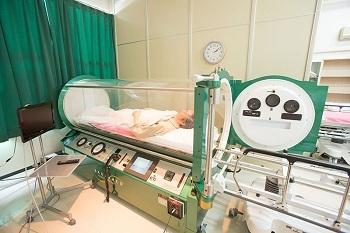 【バイオハザード】武漢コロナウィルスもびっくり!→武漢コロナ患者が「高濃度酸素カプセルベッド」で完治する可能性!?_a0386130_15262011.jpg
