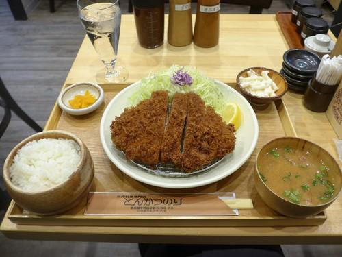 中野「豚肉料理専門店 とんかつのり」へ行く。_f0232060_18495315.jpg