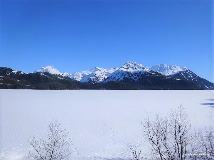 残雪 凍った道_d0356844_12424749.jpg