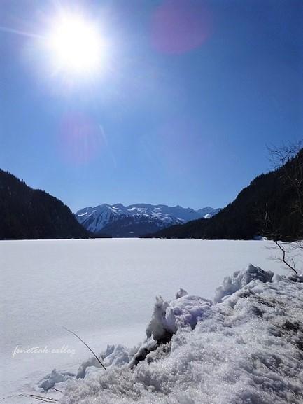 残雪 凍った道_d0356844_12484951.jpg