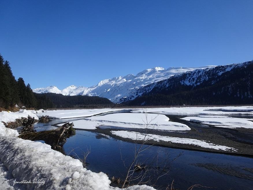 残雪 凍った道_d0356844_12502365.jpg