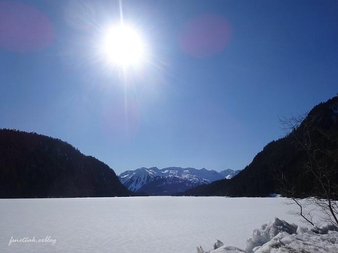 残雪 凍った道_d0356844_13080237.jpg