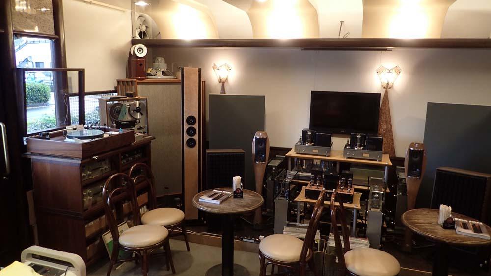 喫茶部にて・GOODMAN AXIOM301。_b0262449_16453509.jpg