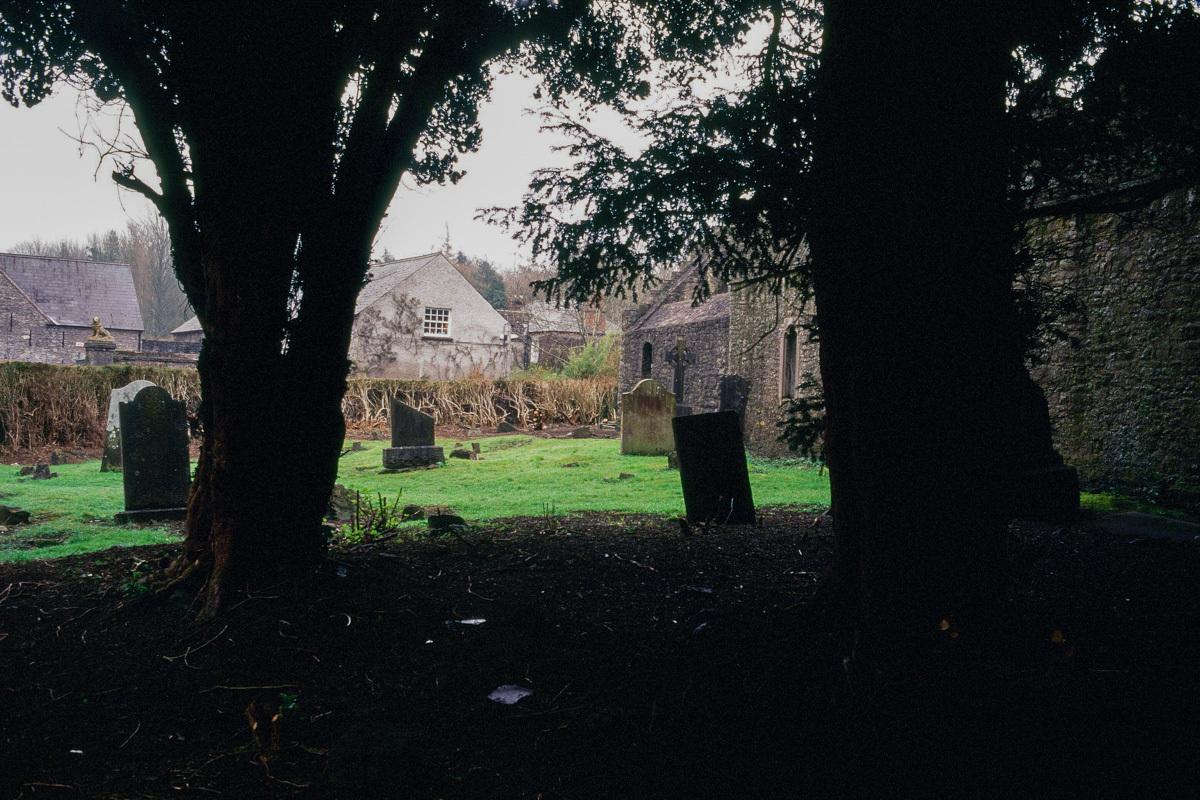 【欧州紀行2001その4】ダブリン  マラハイド城(Malahide Castle)の墓石_b0061717_19112934.jpg