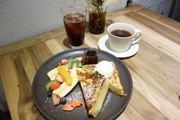 WOODBERRY COFFEE ROASTERSさんでフレンチトースト_e0230011_16574150.jpg