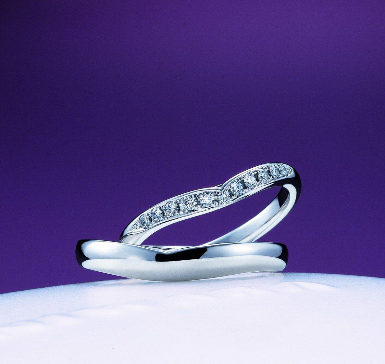 睡蓮に輝く二人の幸せ ~俄が表現するブライダルリングの世界~俄の結婚指輪のエピソード_f0118568_10511338.jpg