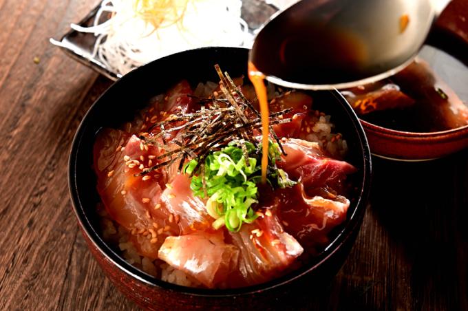 メシ通『魚介を使った簡単レシピ 』☆ 宇和島風の鯛めしが美味い!_d0069838_09391142.jpg
