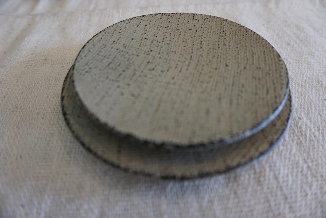 工房くさなぎさんの拭きうるし木皿と白漆皿_b0132442_16223340.jpeg