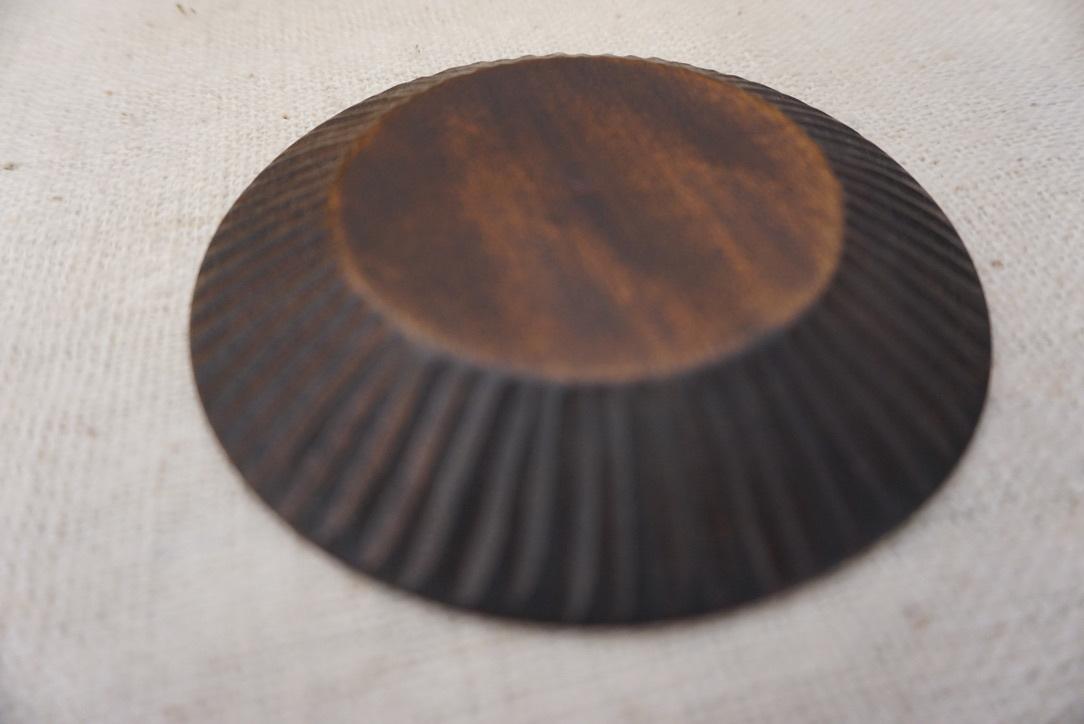 工房くさなぎさんの拭きうるし木皿と白漆皿_b0132442_16223963.jpeg
