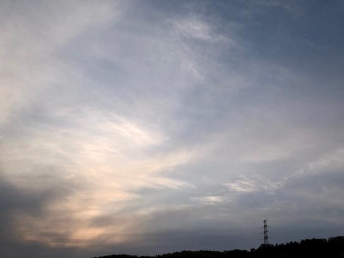 ある日と今日の夕方の空_d0105967_01494141.jpg