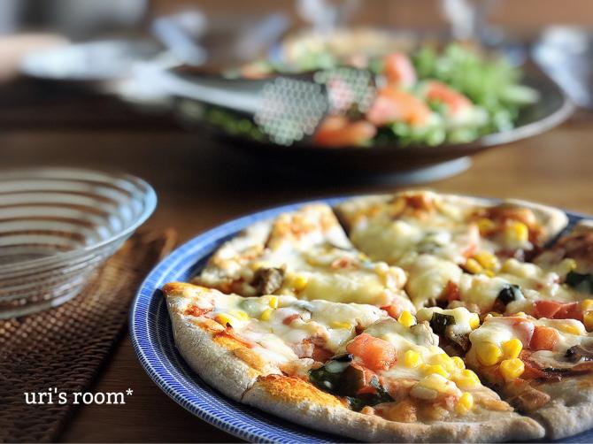 たまには気分をあげたい!人気ピザでお昼ごはん♬_a0341288_22154594.jpg