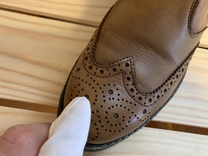 おうちで靴磨き 「靴磨きの基本は汚れを落とすことから」_b0226322_15440999.jpg