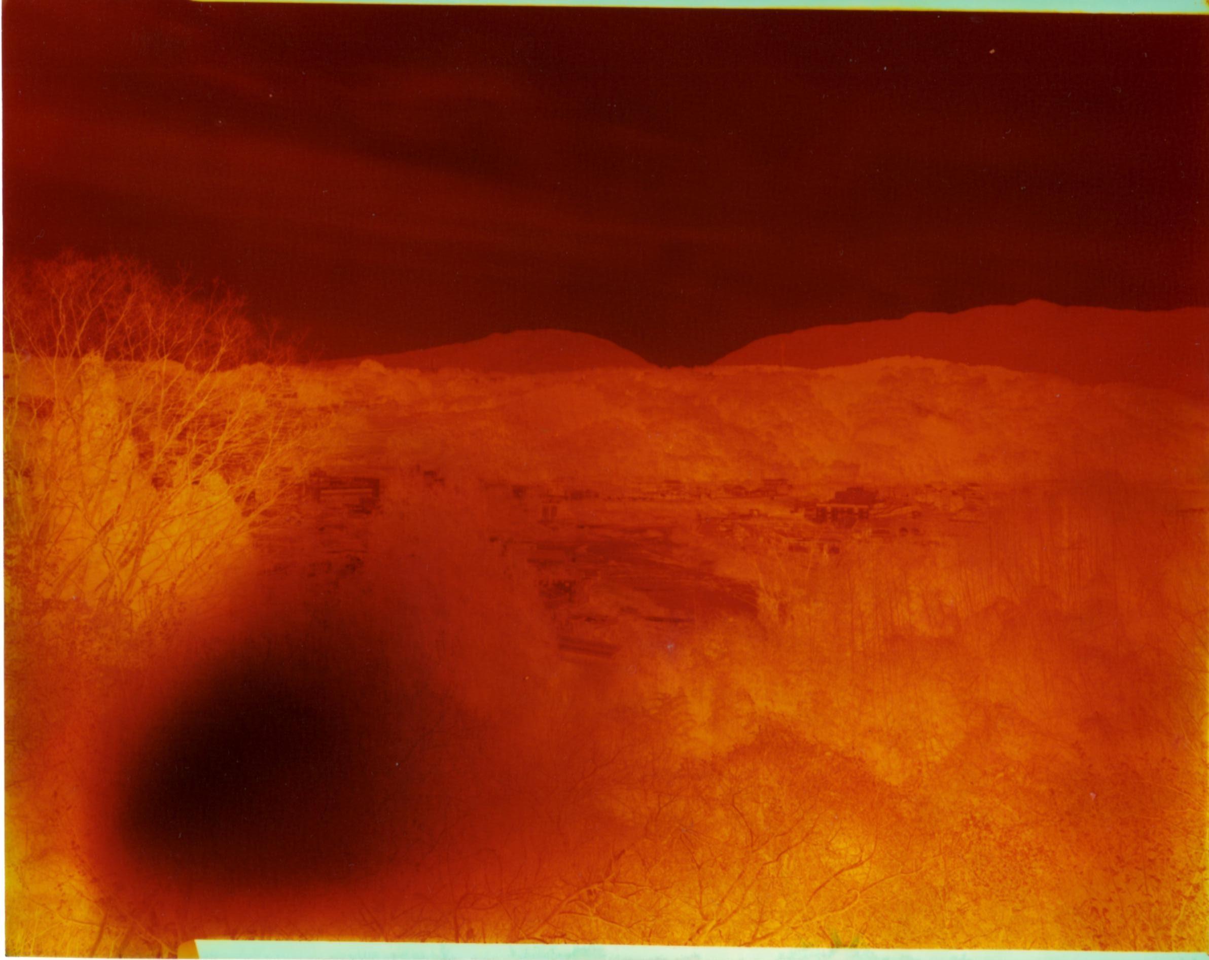 アウトドア大ガビネカラー印画紙露光の形而上学的報告  撫象_d0138130_11181333.jpg