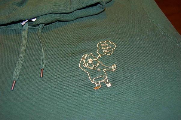 持ち込みのスウェットパーカーとシャツにオリジナル刺繍をしました!_e0260759_19452582.jpg