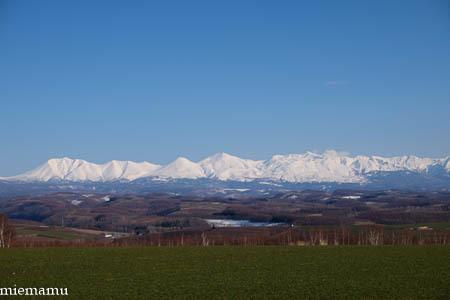 就実の丘と山並み~4月の就実_d0340565_19510892.jpg