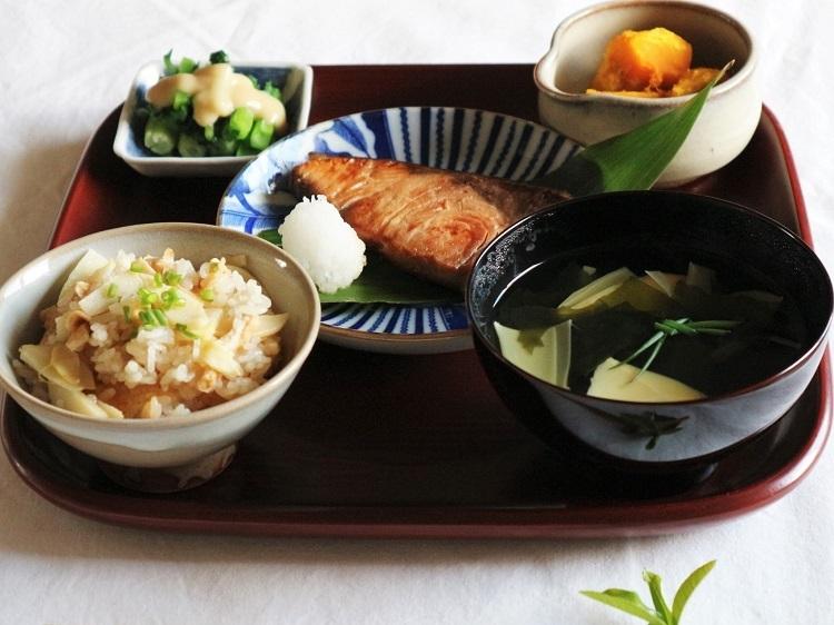 旬の筍(一汁一菜たけのこ lunch)_a0147281_20262377.jpg