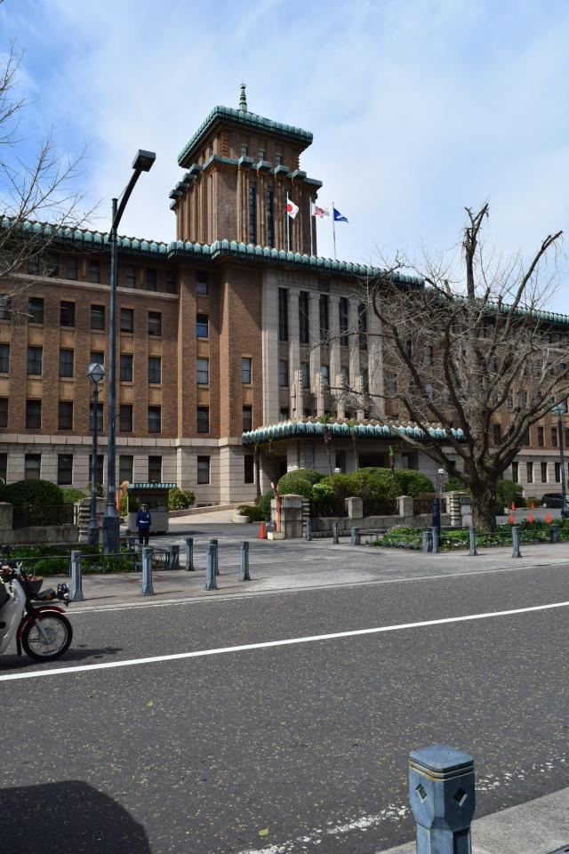横浜市中区日本大通りの神奈川県庁本庁舎(昭和モダン建築探訪)_f0142606_09211762.jpg