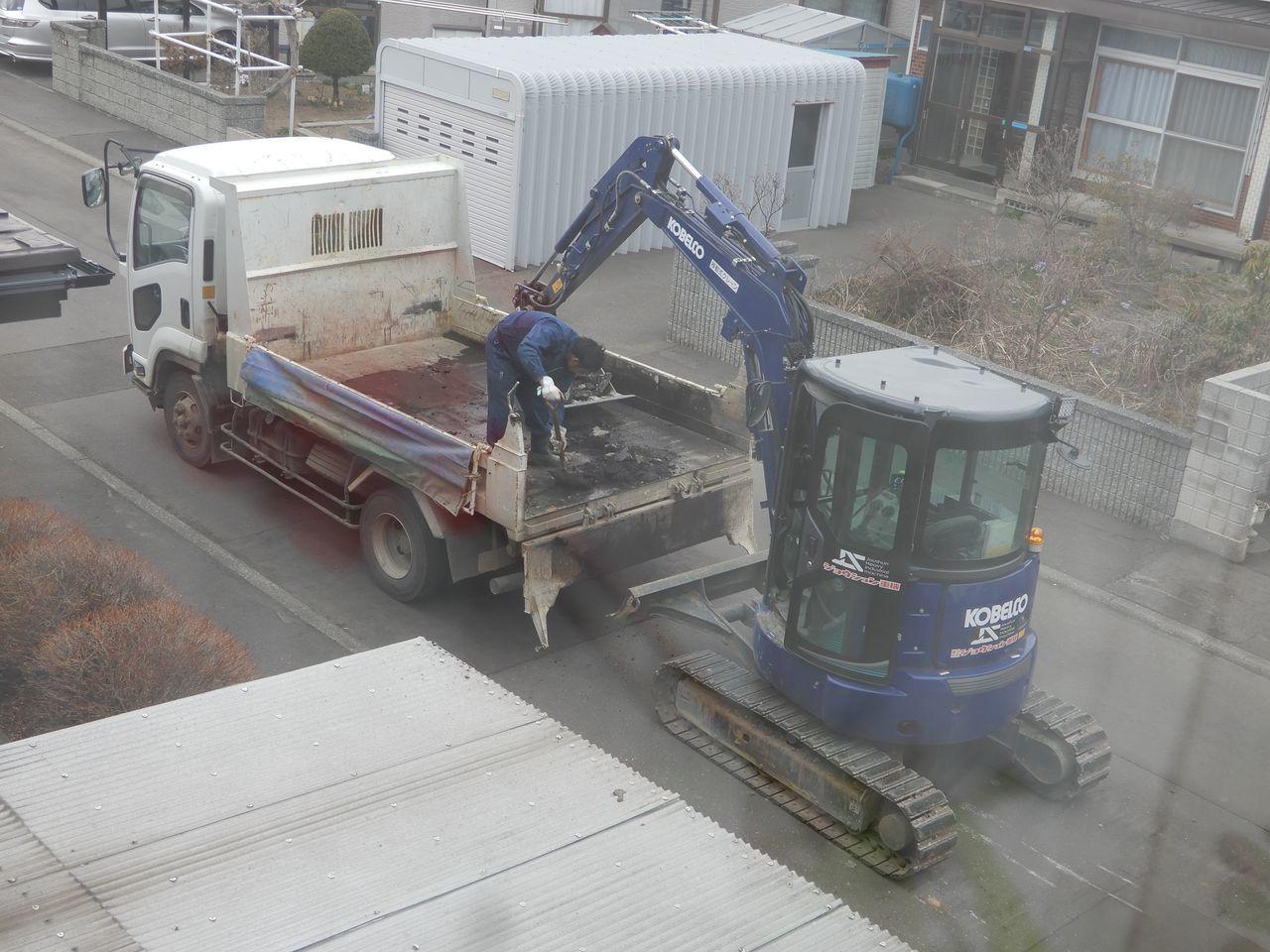 ロードヒーティングの撤去工事_c0025115_23221244.jpg