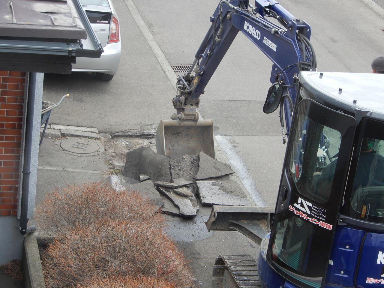 ロードヒーティングの撤去工事_c0025115_23235095.jpg