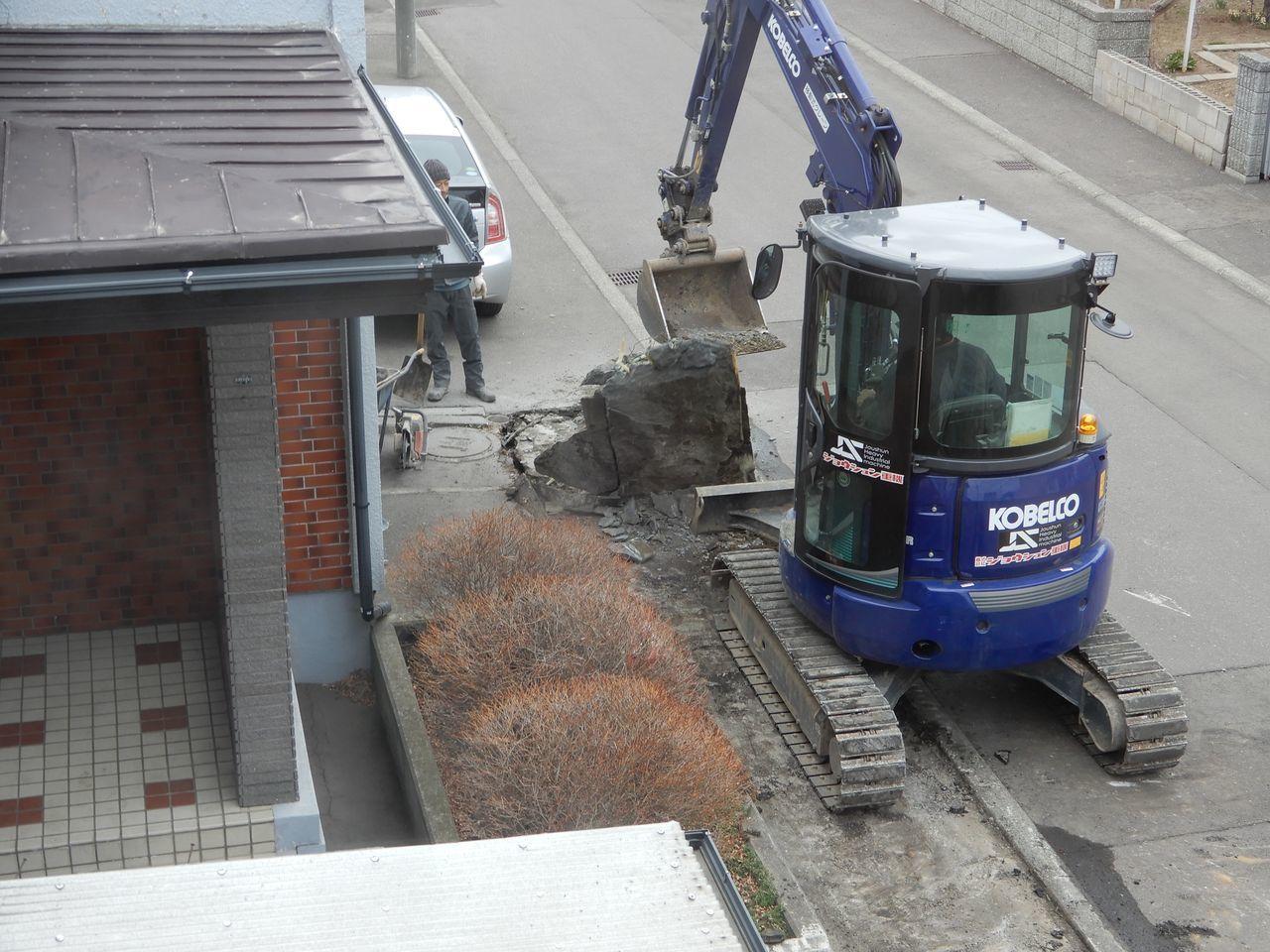 ロードヒーティングの撤去工事_c0025115_23250181.jpg