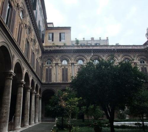 カラヴァッジョの「平和と静粛の奇跡」を有するローマ最大の私設宮殿美術館_a0113718_01404085.jpg