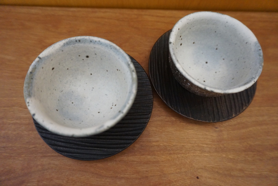 工房くさなぎさんの拭き漆豆皿と茶杯_b0132442_13445960.jpeg